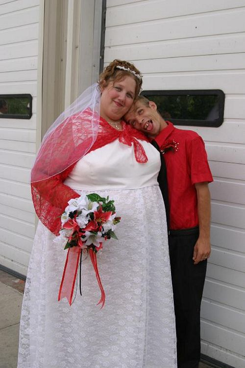 pictures_odd_couple_wedding_8.jpg